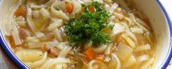 http://www.kkfi.org/wp-content/uploads/Chicken-noodle-soup-wpcf_250x100.jpg