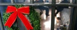 http://www.kkfi.org/wp-content/uploads/Christmas-wreath-and-bars-wpcf_250x100.jpg